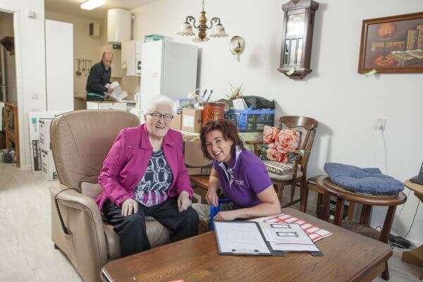 Hulp nodig bij een seniorenverhuizing? Ontzorgd Verhuizen kan echt álles voor u doen